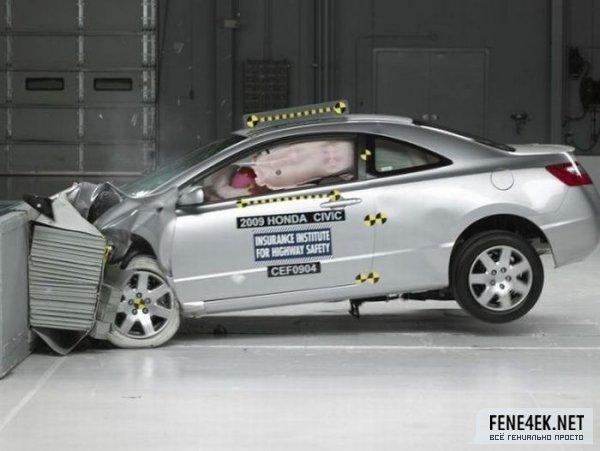 各种汽车碰撞测试现场高清图片