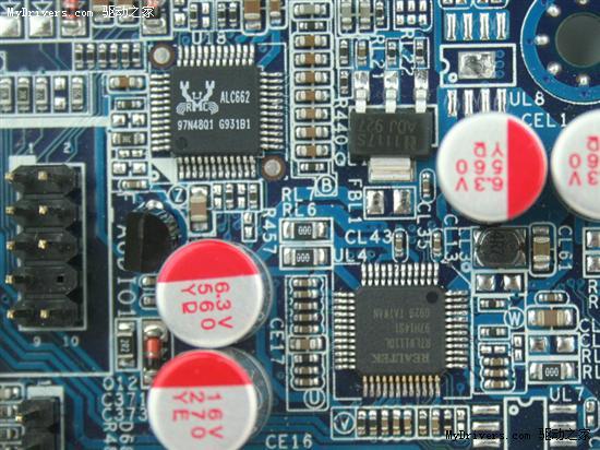 板载 realtek rtl8111dl千兆网络芯片和realtek alc662 多声道高清