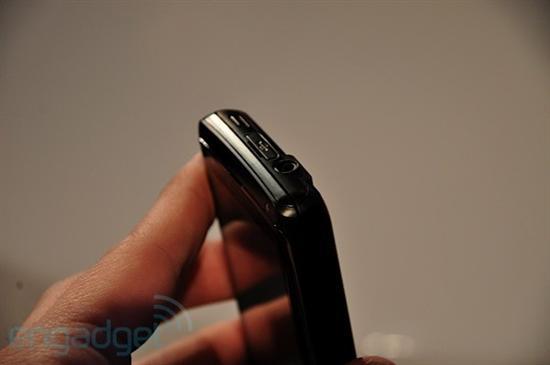 LG首款Windows Phone 7手机真机曝光