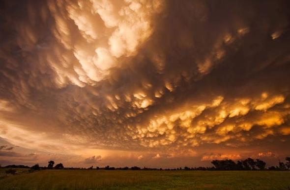 美国风暴追逐者行程3.2万公里拍摄龙卷风