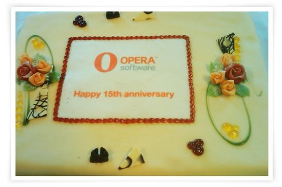 Opera成立15周年