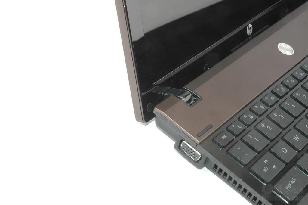 惠普电脑读卡器驱动_vga显示输出口,e-sata和网线接口,而机身右侧则为多合一读卡器,两个