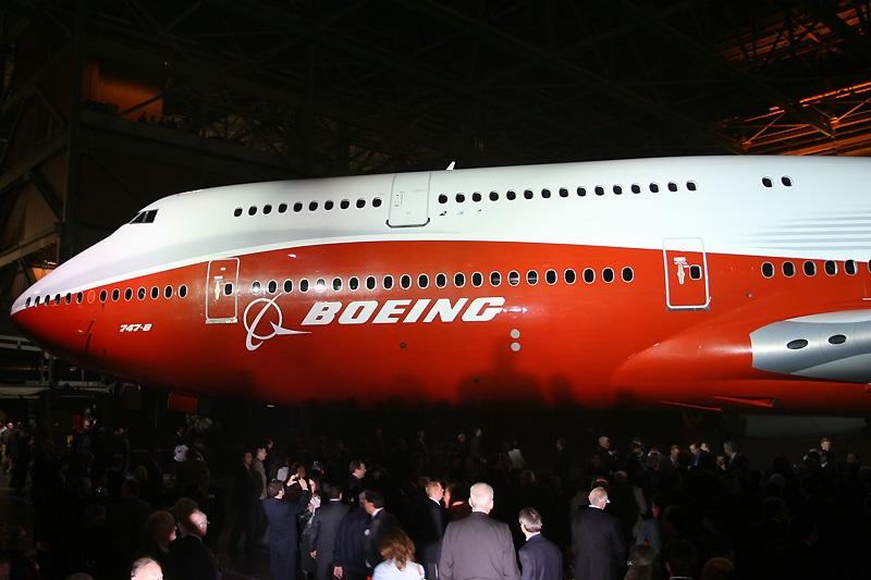 波音747-8洲际飞机正式亮相