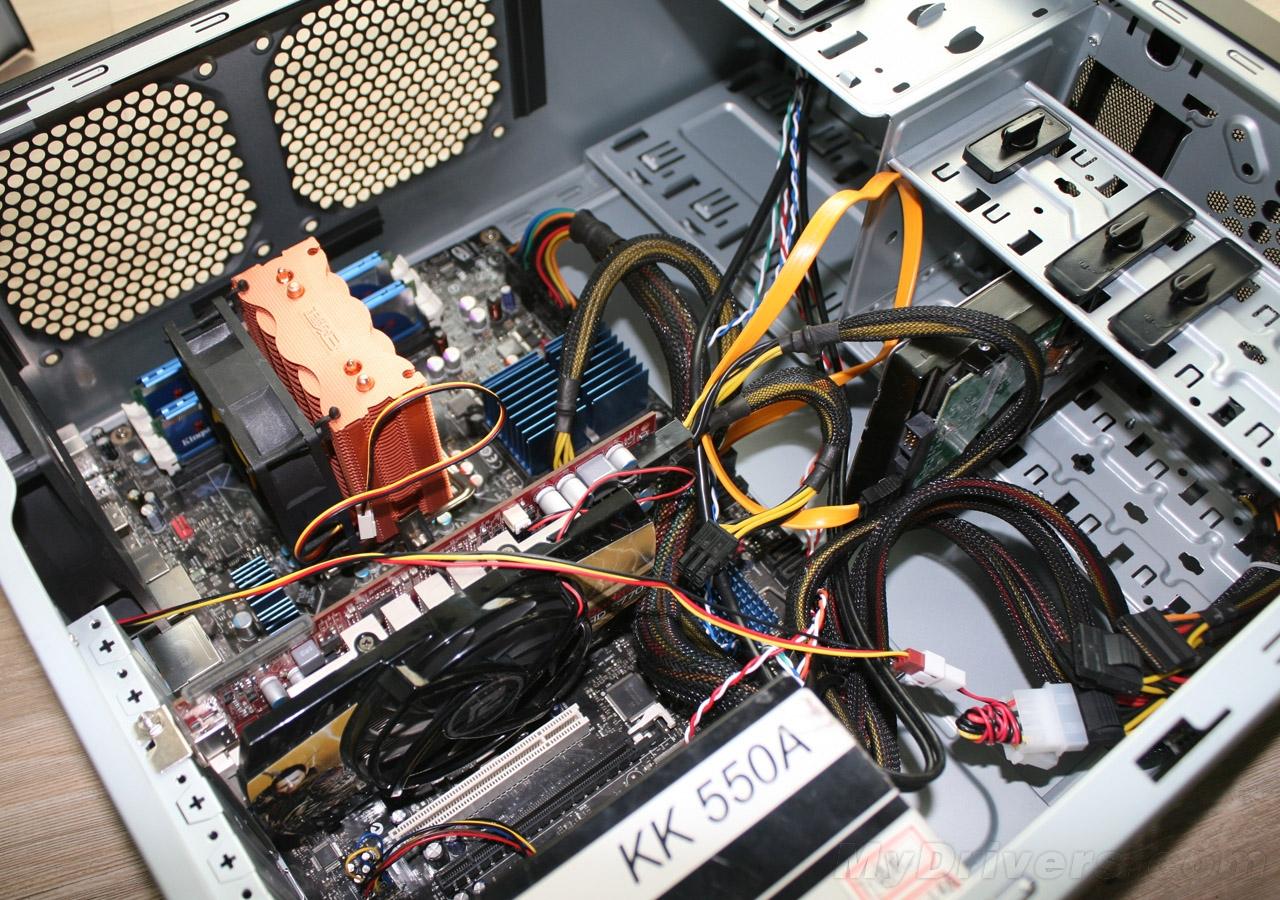 冲网面板,电源下置 酷冷至尊特警371机箱评测; 免工具卡扣安装硬盘图片