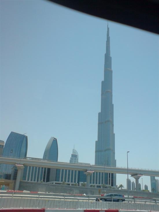 从迪拜到阿布扎比:感受沙漠中的异国风情