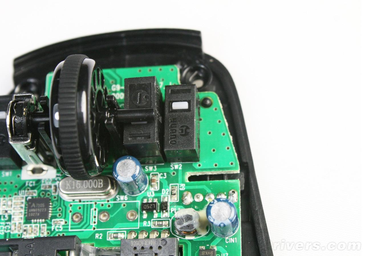 鼠标的集成芯片采用了原相光电鼠标ic,型号为pan3204db.