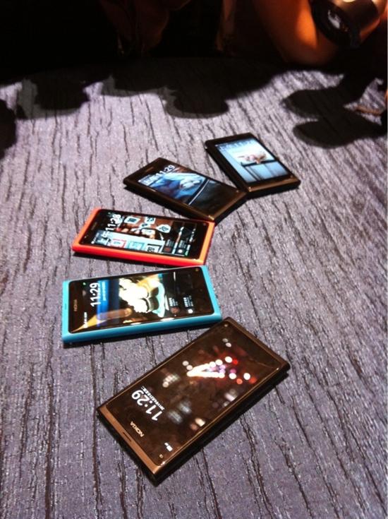 MeeGo终于来临 诺基亚N9正式发布
