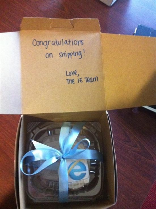 祝贺新版发布 IE团队向Firefox再送蛋糕