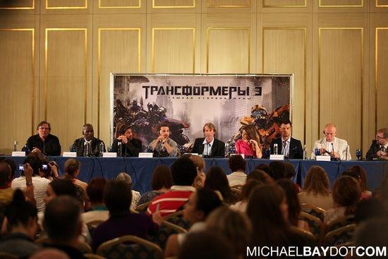 《变形金刚3:月黑之时》莫斯科首映现场图赏
