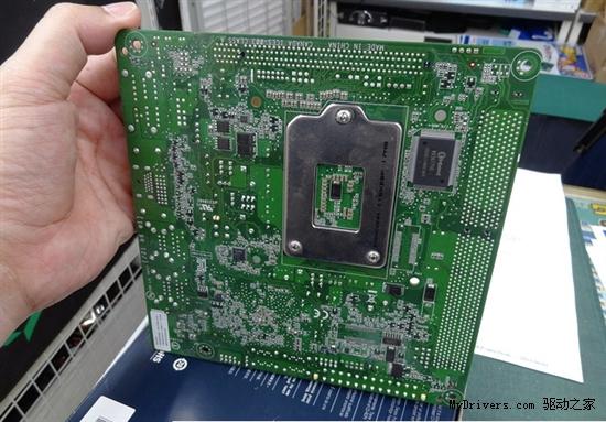 服务器也迷你:Mini-ITX Xeon主板有木有