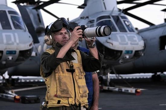 美主旋律大片启用现役海豹队员充当演员