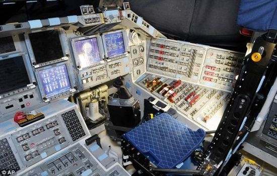 天飞机驾驶舱曝光