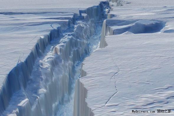每日卫星照:南极洲松岛冰川大裂缝