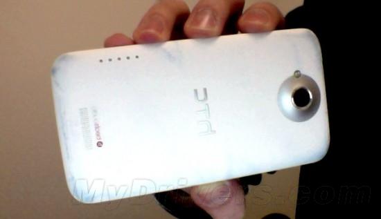 HTC One X、牛仔裤你选谁?