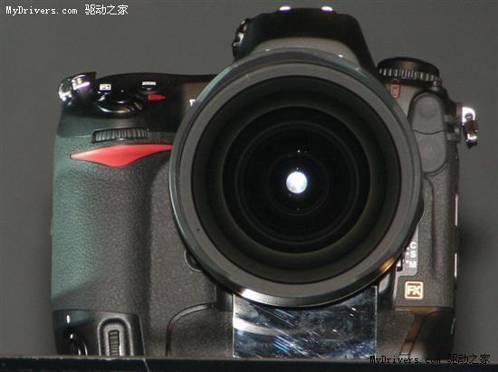 尼康DSLR踏入全画幅 D3/D300发布
