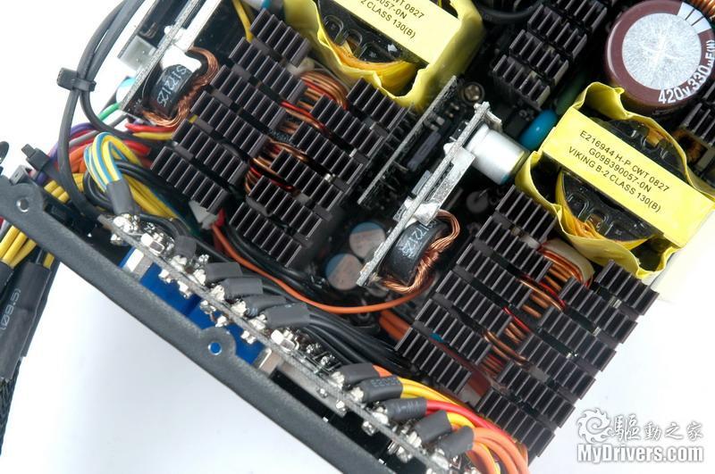 电源调整电路,每组功率级各有一组